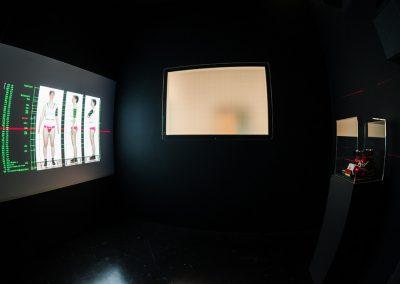uni-form_Ausstellung_nichtichx2 Foto: Christoph Leip